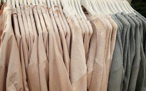Jakie sukienki i spodnie damskie będą modne wiosną 2018?